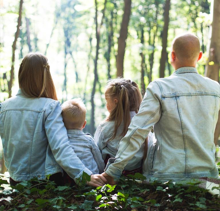 ELternzeit beantragen Hilfe Antrag Zeitpunkt Eltern Foto:John-Mark Smith bei Unsplash