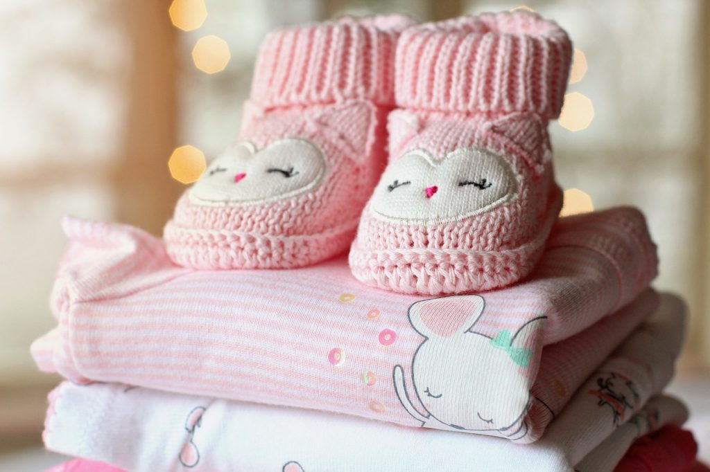 Kinderschuhe KIndergrößen Größentabelle Babykleidung Klamotten Bekleidung Größenvergleich Foto: Image #2047596 by TerriC via Pixabay (CC0 Creative Commons)