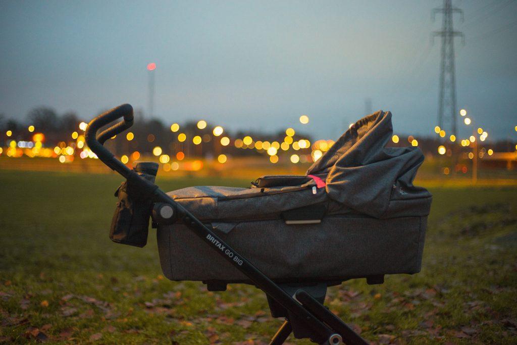 Kinderwagenkauf Kinderwagen kaufen checkliste Babywanne Foto:Micael Widell bei Unsplash