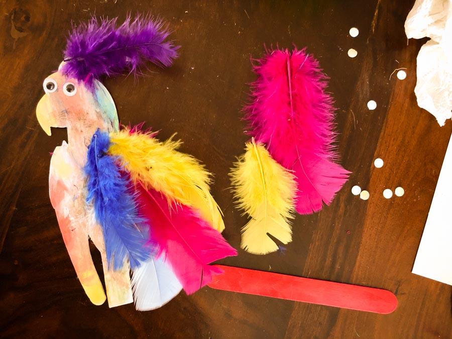 ToucanBox Papagei Bastelspaß für Kinder zum Zeitvertreib Inhalt Babyratgeber